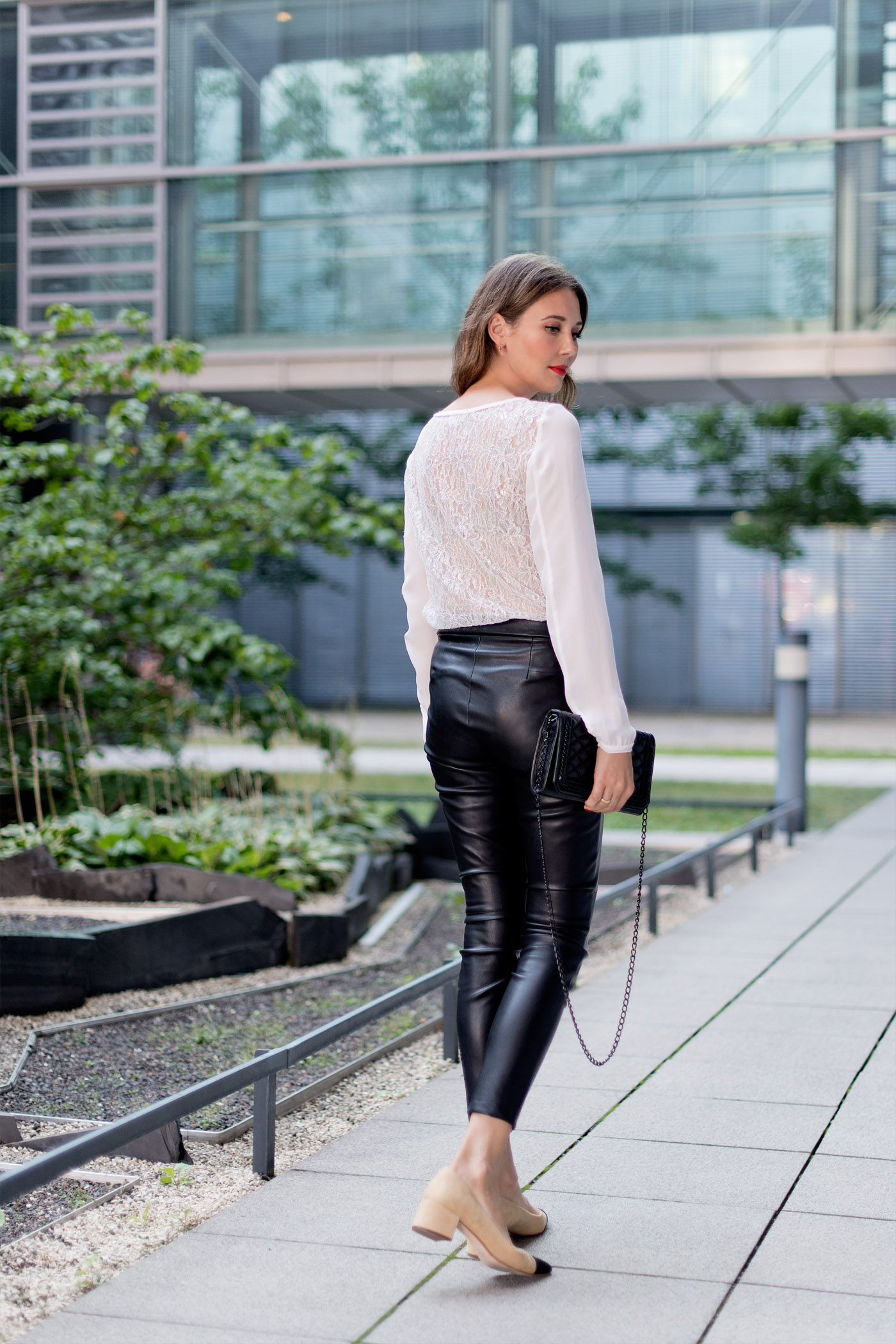by malene birger seidenbluse lederhose zara slingback pumps rebecca minkoff fashionblog 5 mood. Black Bedroom Furniture Sets. Home Design Ideas