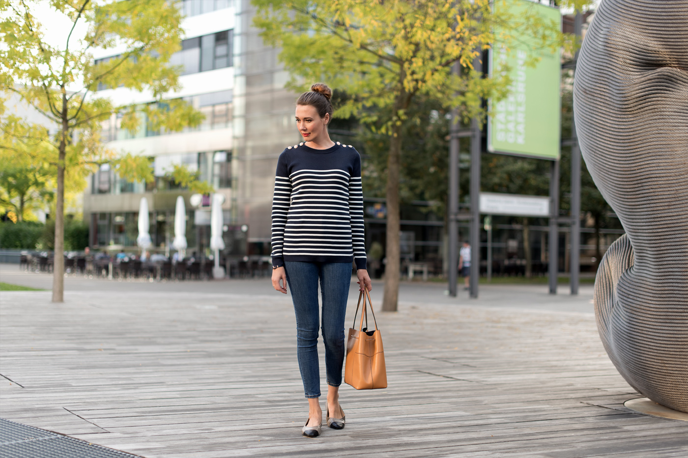 petit-bateau-sweater-zara-ballerina-tory-burch-bucket-bag-fashionblog-4