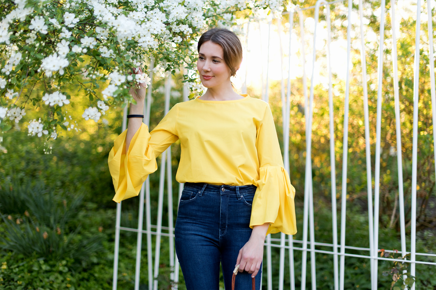 outfit yellow trumpet sleeve blouse mood for style fashion blog from germany. Black Bedroom Furniture Sets. Home Design Ideas