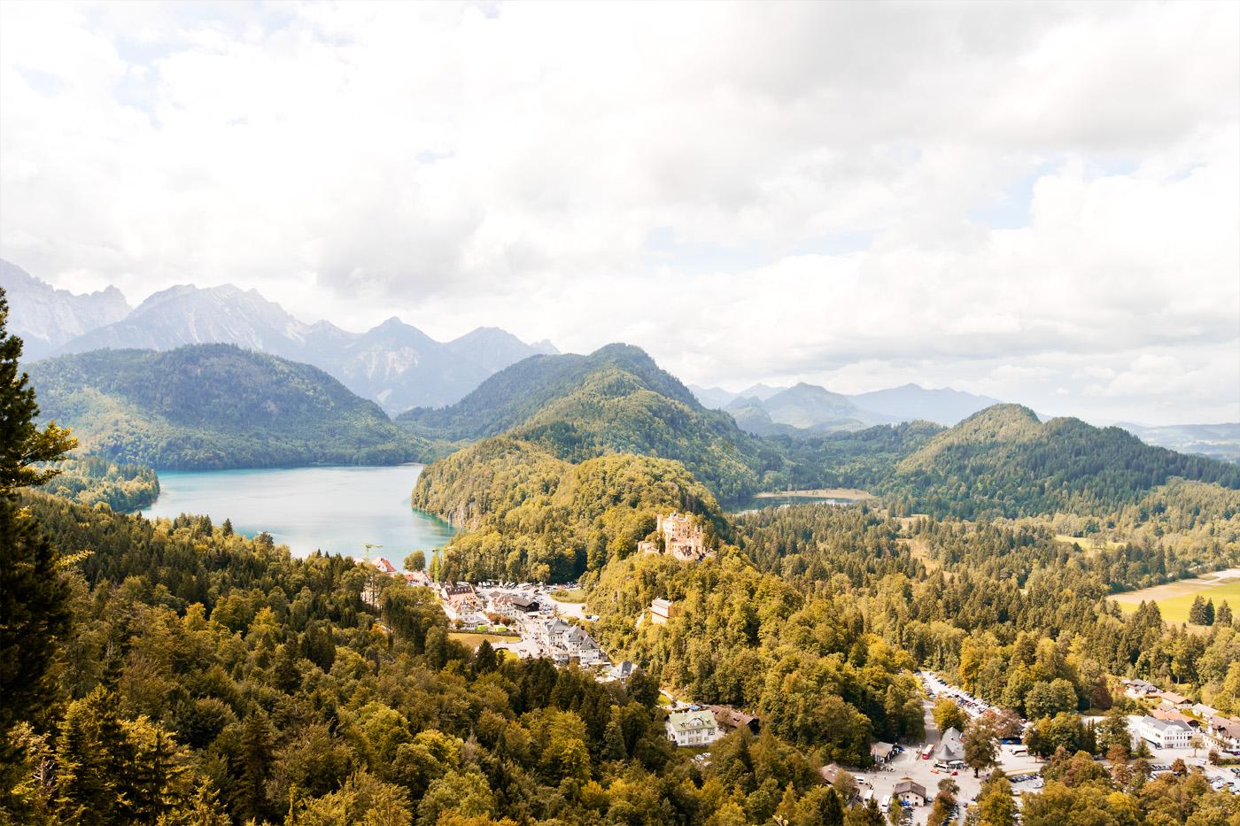 schloss-hohenschwangau-allgaeu-royal-castle-hohenschwangau-alpsee-travelbericht