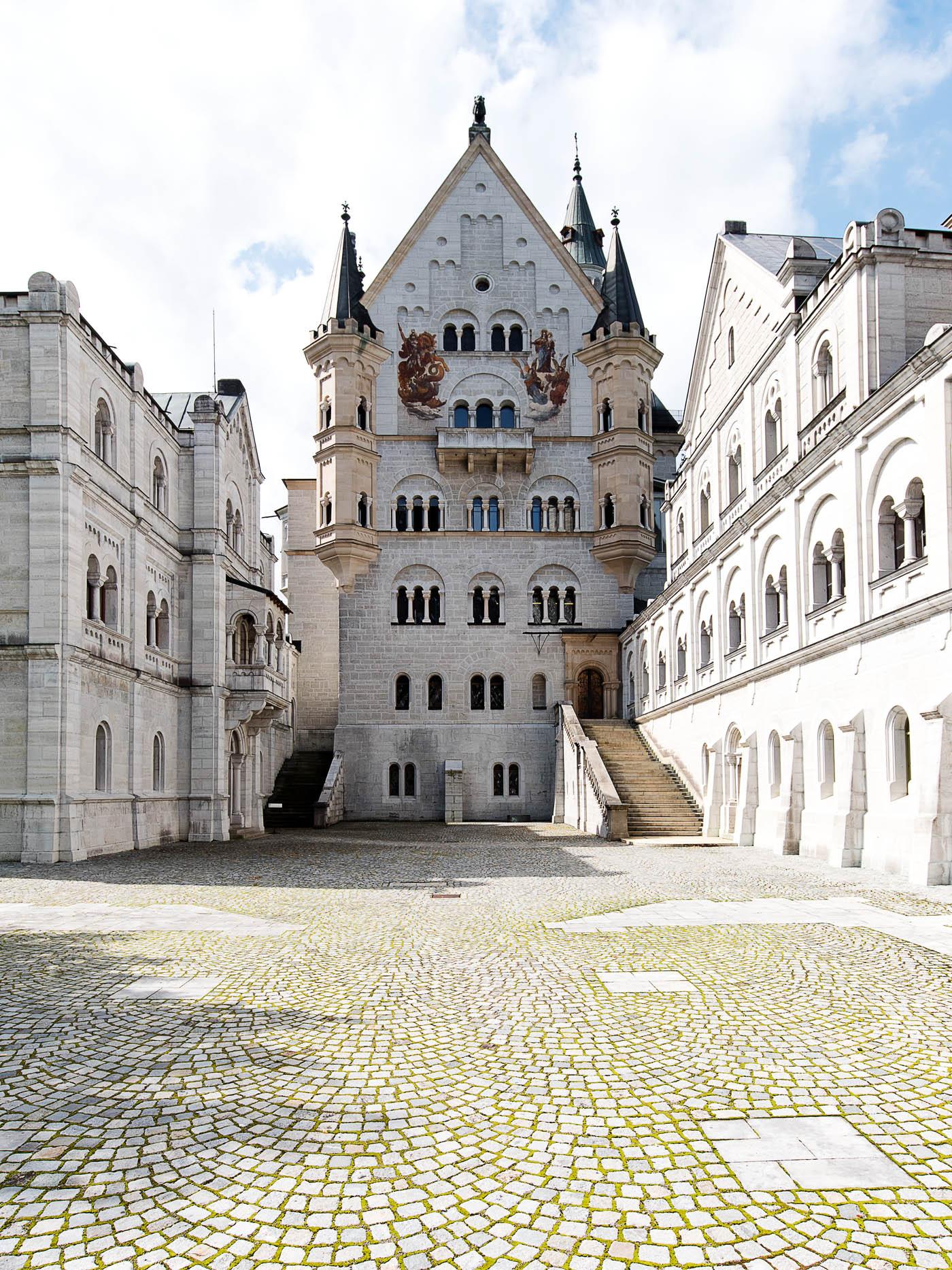 schloss-neuschwanstein-fuessen-allgaeu-royal-castle-neuschwanstein-travelberricht