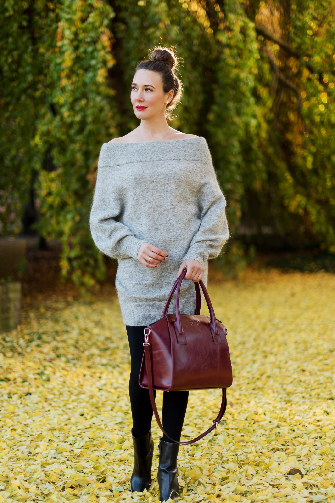 hm-offshoulder-knit-dress-felicitas-business-bag