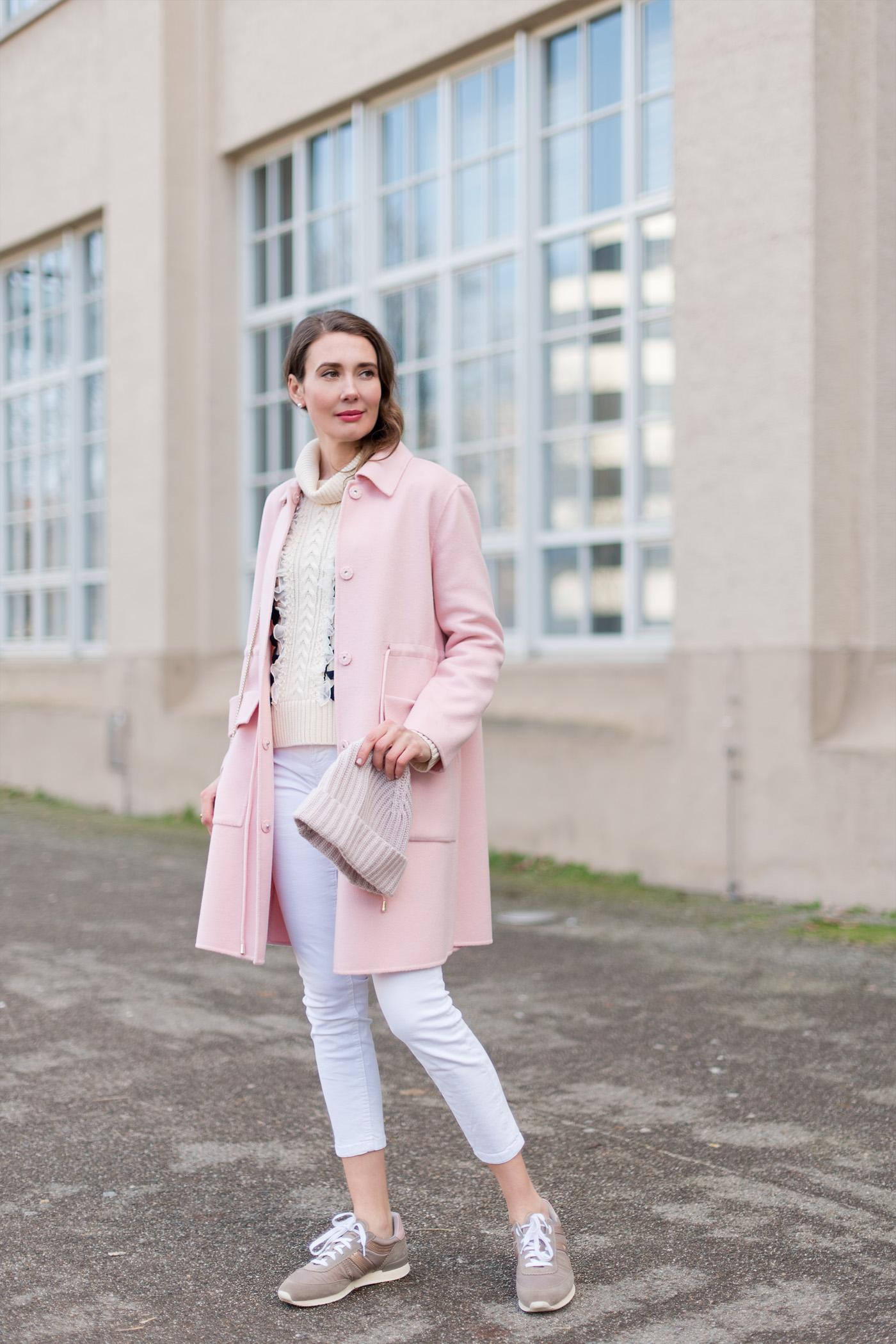 maxandco-pink-coat-hugoboss-sneaker-jcrew-sweater-springfashion