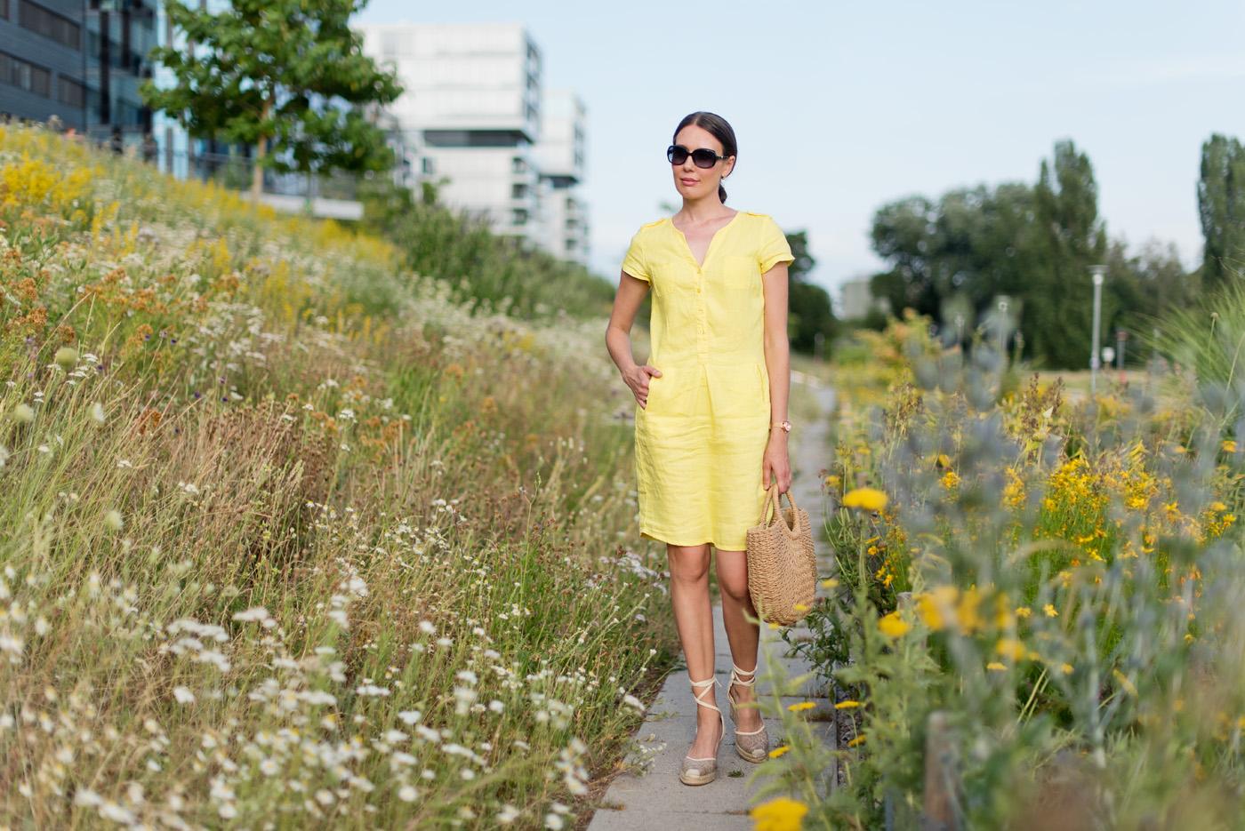 Gelbes Sommerkleid von Heine